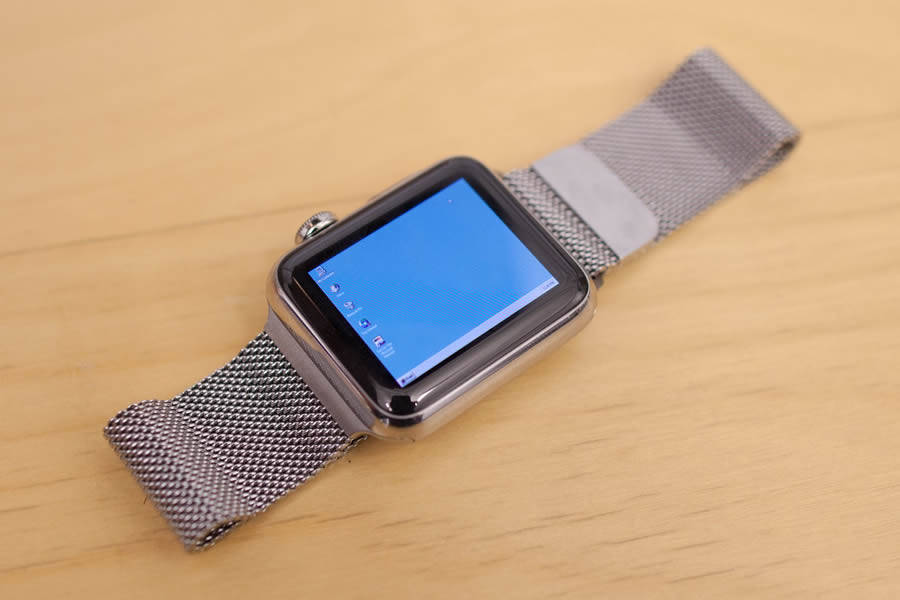 Someone Installed Windows 95 On Apple Watch, But It Takes An Hour To Boot